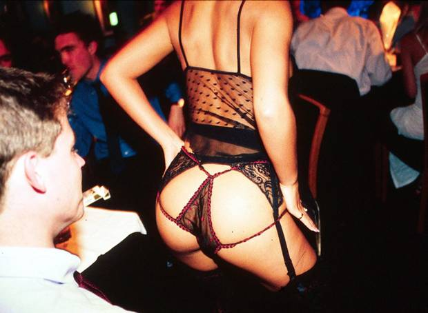 striptease-11